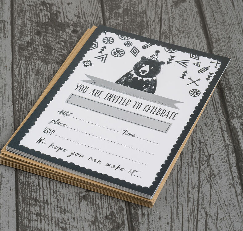 pack of 10 grizzly bear party invitations from  u00a36 99 each